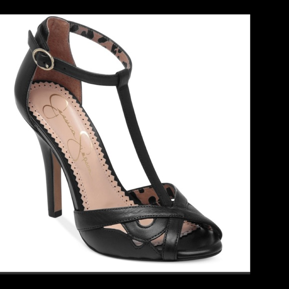 b15a5367515 Jessica Simpson Shoes - Jessica Simpson Jeraldine Leather Heels Sandals